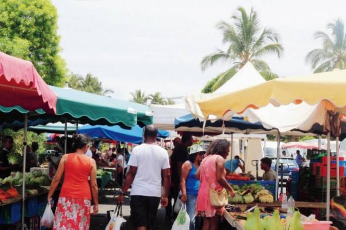 Le marché forain maintenu à Saint-Benoît